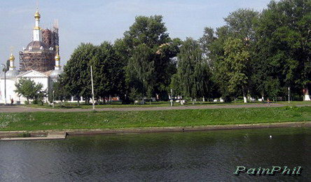 The left side of the Oka river, the park is the 400th anniversary of the city of Orel